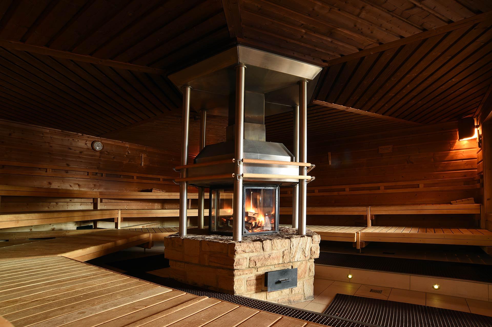Eifel-Therme-Zikkurat • Takka - Sauna